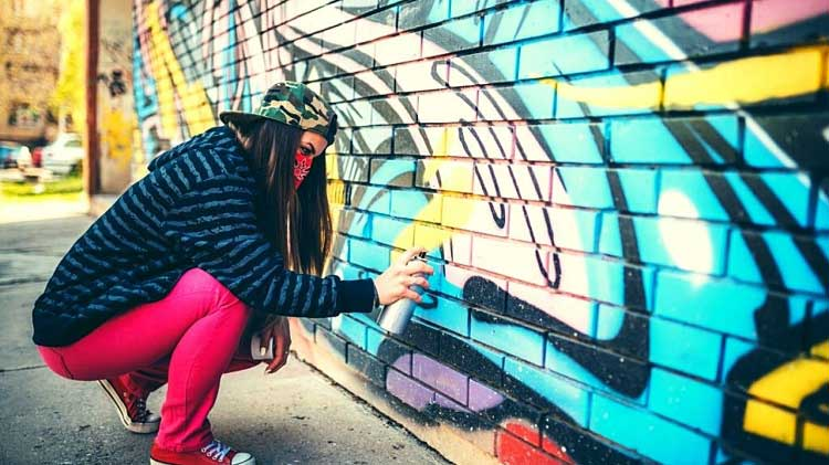 How to Graffiti with Spray Paint